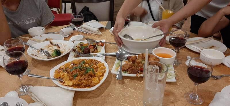 跟中國朋友一起吃年夜飯